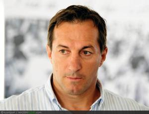 XV de France - Philippe Sella et Beno�t Dauga � la remise des maillots