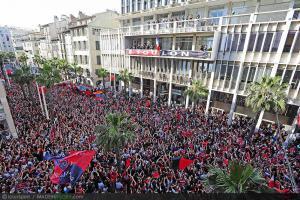 Toulon - 02.06.2013 - Retour a Toulon - Presentation du trophee de la Coupe d'Europe